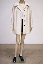 Off-white-vintage-coat