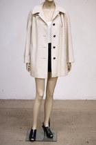 Off-white-vintage-coat