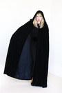 Black-high-waisted-leggings-black-velvet-vintage-cape-cape-black-blouse