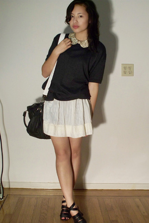 vintage accessories - Hanes t-shirt - homemade skirt - thrifted shoes