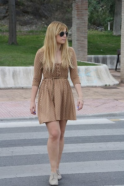 beige pull&bear shoes - bronze Stradivarius dress