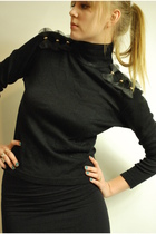 black vintage 80s sweater