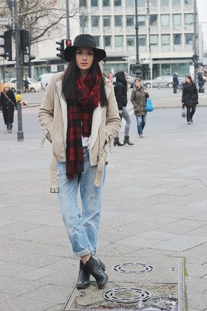 casual H&M scarf