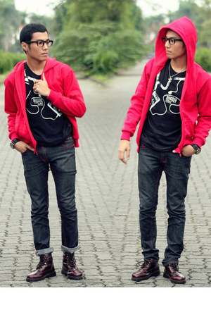 red jacket hoodie - crimson boots - black glasses - black t-shirt
