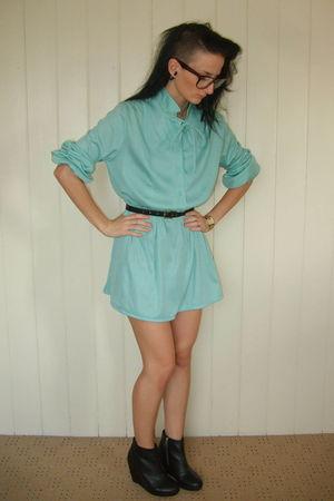 blue Wilma & Winston dress - black Thrift Store belt - black H&M shoes