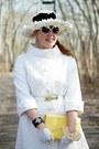 White-quilted-vintage-coat-black-daisies-vintage-hat