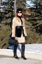 camel faux fur black Forever 21 jacket - black leather desire Fluevog boots