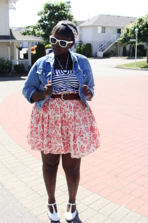 Blue-jacket-blue-shirt-red-skirt-white-shoes-white-sunglasses-white-ac