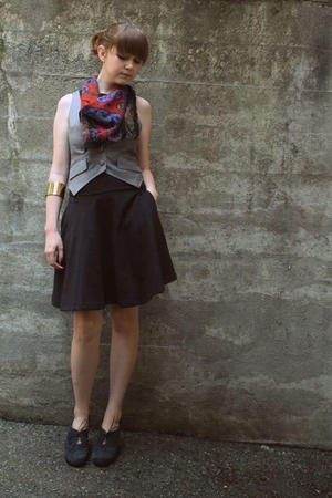 vest - UO dress - Nine West shoes - scarf
