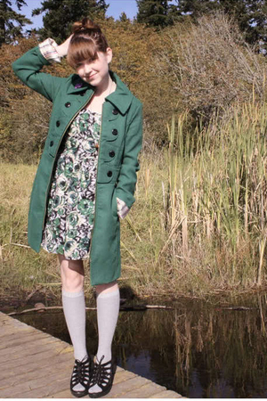 green Tulle coat - green Forever 21 dress - gray Thank You Mart socks - black Ur