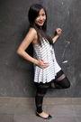 Gray-forever-21-top-black-asos-leggings-silver-diva-bracelet-black-sportsg