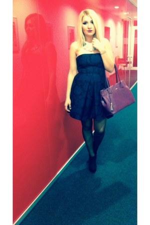 black falke tights - puce cotton Zara dress - magenta leather picard bag