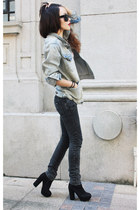 light blue jacket - dark gray jeans - black heels