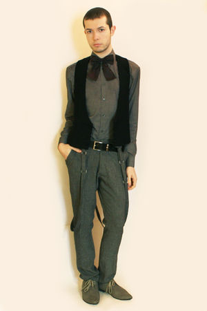 gray H&M shirt - gray H&M shoes - black vintage vest - purple H&M tie