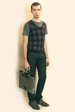gray H&amp;M shirt - gray Hanjiro vest - gray Zara pants - gray H&amp;M shoes - gray Bag