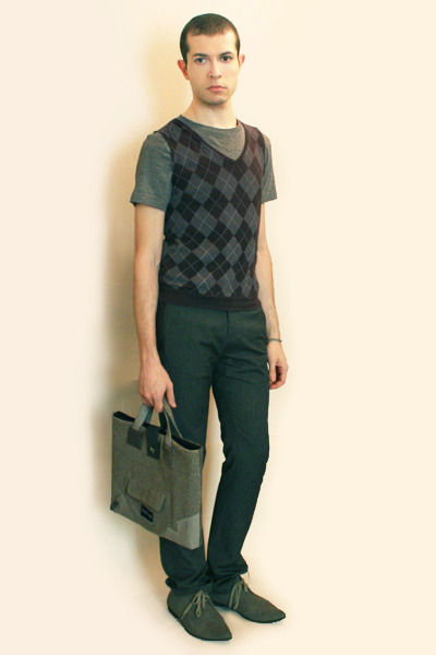 gray H&M shirt - gray Hanjiro vest - gray Zara pants - gray H&M shoes - gray Bag