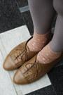 Camel-h-m-shoes-neutral-oversized-monki-shirt-dark-brown-moms-vintage-bag-