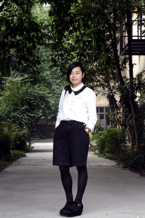 black chapel necklace - white chapel shirt - black bag - black TH shorts - black