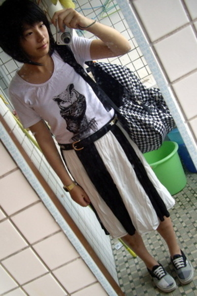 t-shirt - TH belt - skirt - Vans shoes