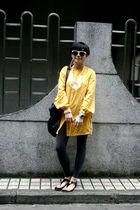 white H&M necklace - gold FLORA shirt - black DIZEN purse - gray H&M leggings -