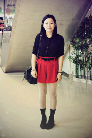 black Bata boots - black chapel shirt - white tights - red shorts - black bow tw