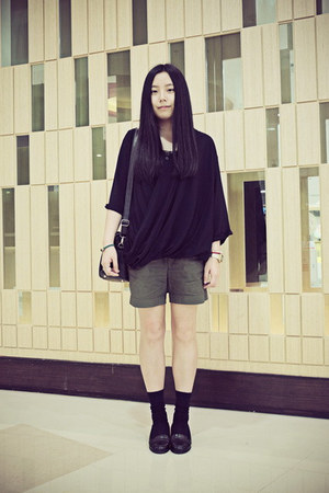 WHITE CHOCOOLATE shorts - Uniqlo socks - A-bow blouse - asos heels