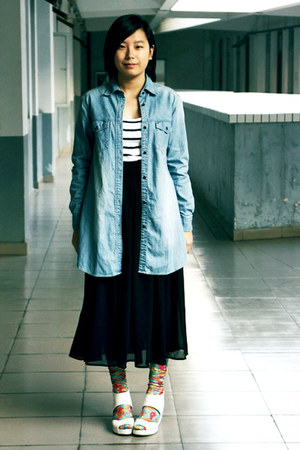 blue denim Uniqlo shirt - light blue floral socks - black chiffon skirt