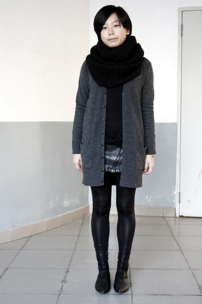 black H&amp;M scarf - gray lisamina cardigan - gray twopercent blouse - black chapel