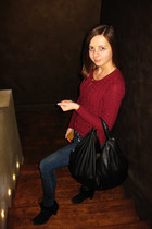 crimson colins sweater - black Braska boots - navy LTB jeans - black ecco bag