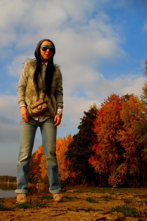 Diesel jeans - H&M sweater - Gap shirt - Marc by Marc Jacobs sunglasses