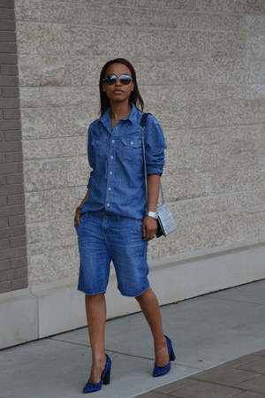 blue Aldo pumps - light blue denim shorts Gap shorts