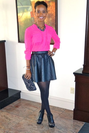black skirt - black boots - hot pink blouse