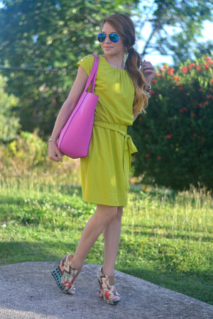 lime green Guess dress - hot pink co-lab bag