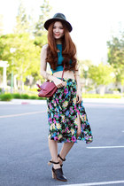 forest green floral Morphologie skirt - maroon crossbody Morphologie bag