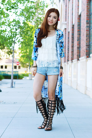 sky blue floral kimono Morphologie top - white lace Forever 21 top