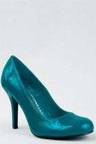 Turquoise-blue-paprika-pumps