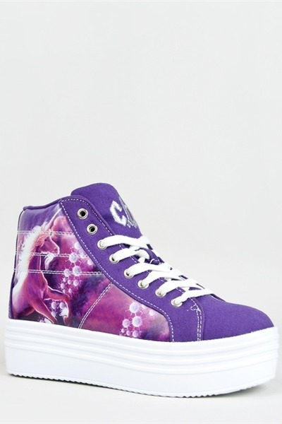 YRU sneakers