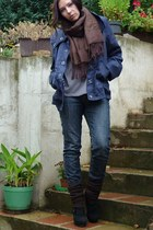 navy Secondhand jacket - navy jeans - dark brown Secondhand scarf