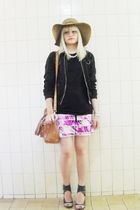 black C e A jacket - pink Laysa Rosa skirt - gray Carano shoes