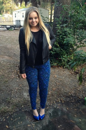 blue floral LC Lauren Conrad leggings - black leather elle jacket
