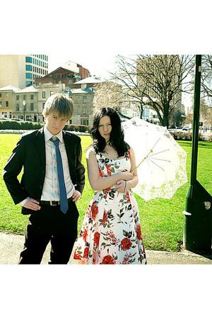 ruby red Target dress - ivory Vintage Umbrella