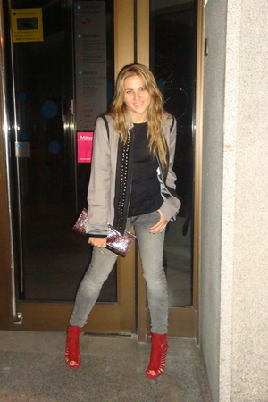 red Zara shoes - gray Stradivarius jeans - beige Zara jacket - brown cluthc Zara