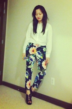 black floral H&M pants - cream gold buttoned H&M top - black we who see wedges