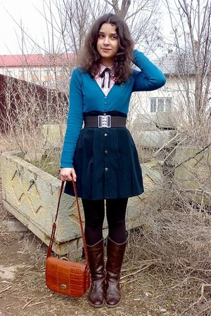 dark brown belt - H&M shirt - tawny thrifted Marc Chantal purse - teal cardigan