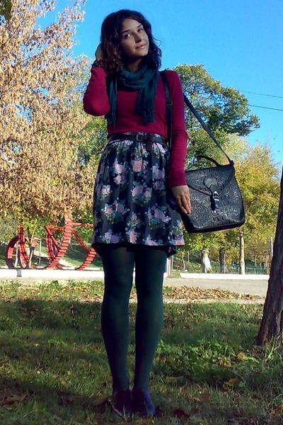 black satchel thrifted purse - dark green tights - forest green scarf
