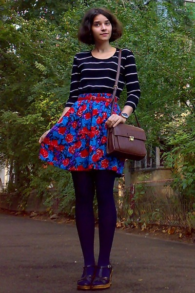 blue floral thrifted shorts - navy tights - dark brown Zara purse