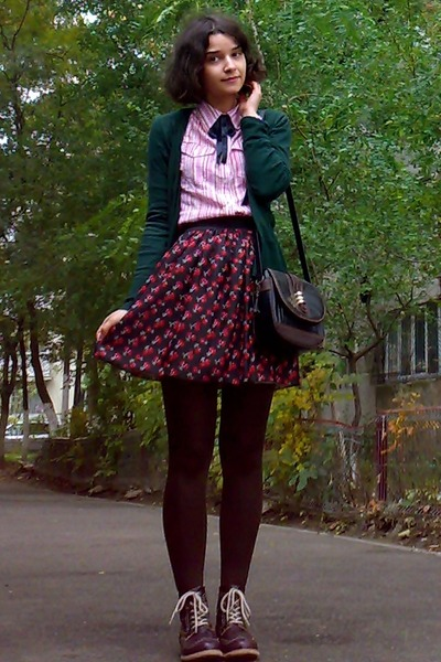 black cherry printed skirt - crimson leather boots - black Zara blazer