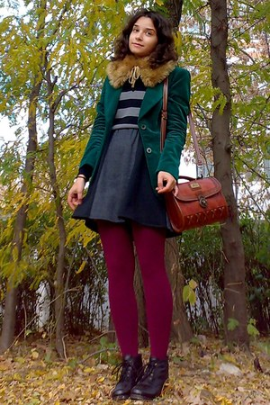 crimson vintage purse - gray H&amp;M sweater - forest green velvet thrifted blazer