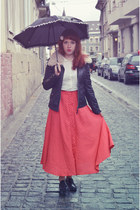red thrifted skirt - black Guess shoes - white Massimo Dutti shirt