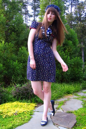 blue modcloth dress - blue vintage thrifted shoes - blue vintage thrifted scarf